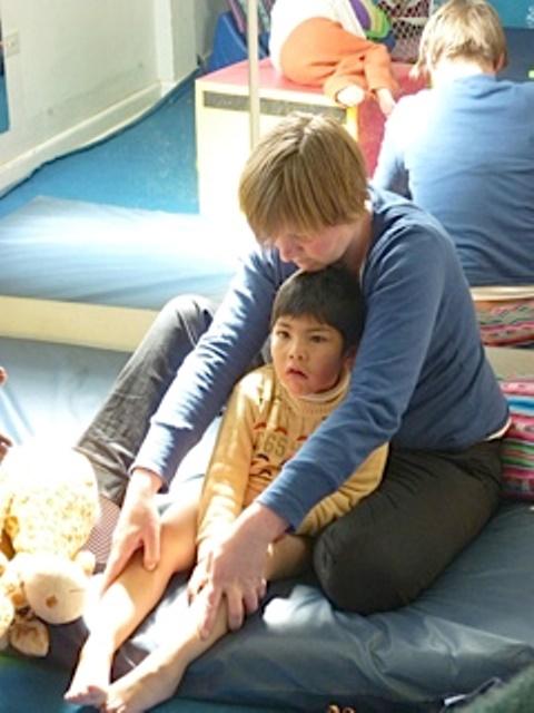 Odile avec un enfant