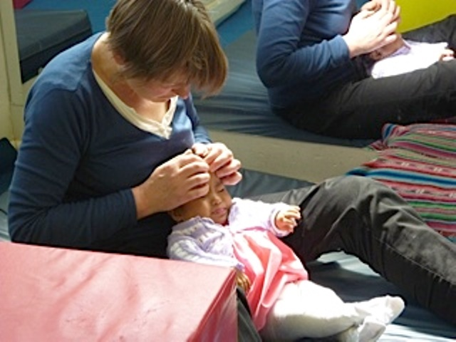 Odile avec un bébé